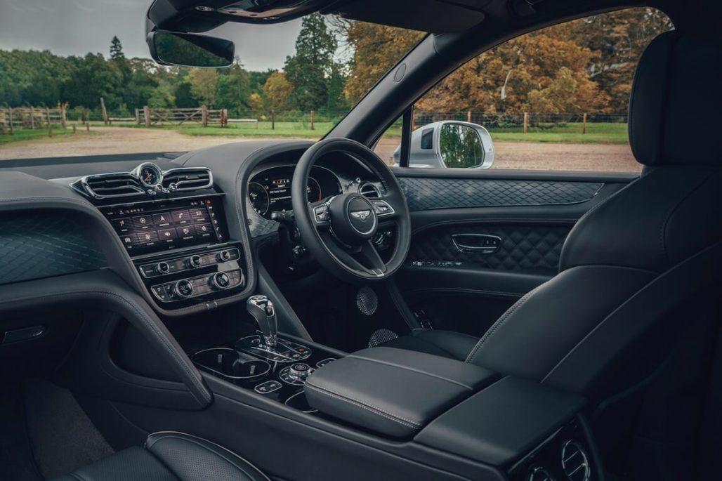 Bentley Bentayga V8 Front Cabin