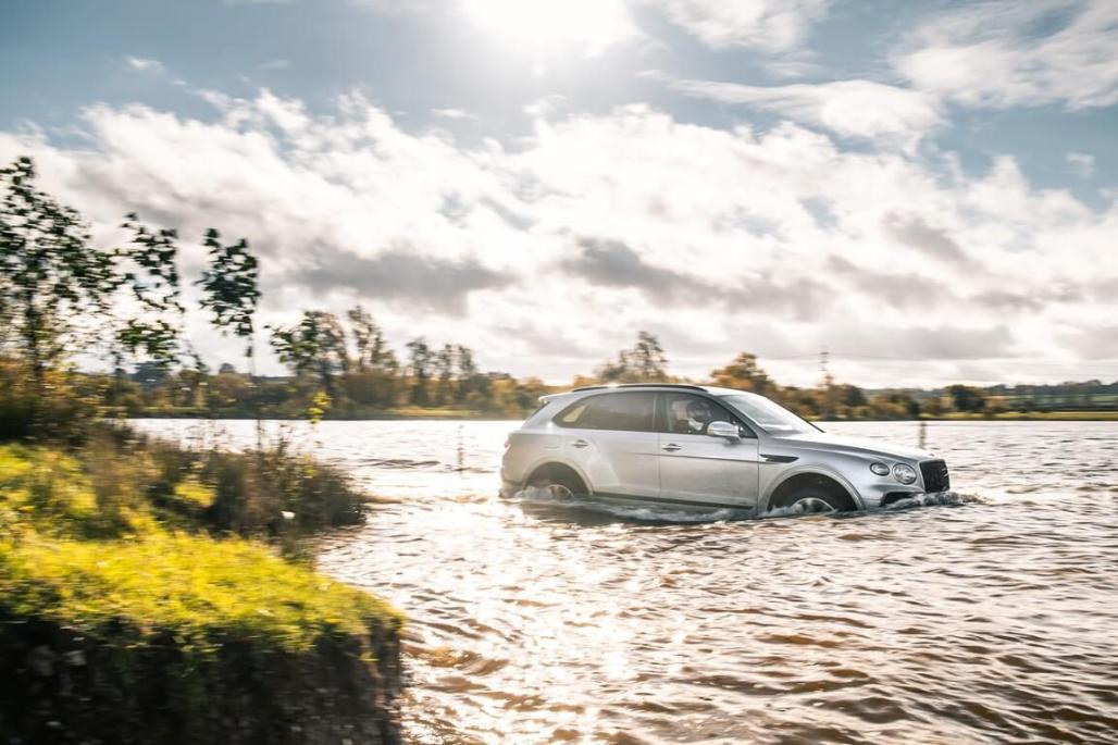 Bentley Bentayga V8's Offroad Capabilities