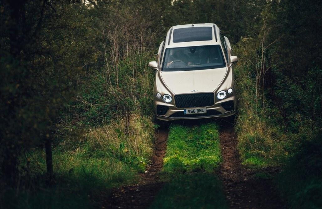 Bentley Bentayga V8's Offroad Abilities