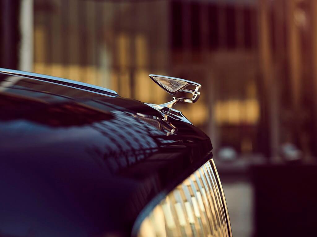 Bentley Flying Spur W12's Flying B